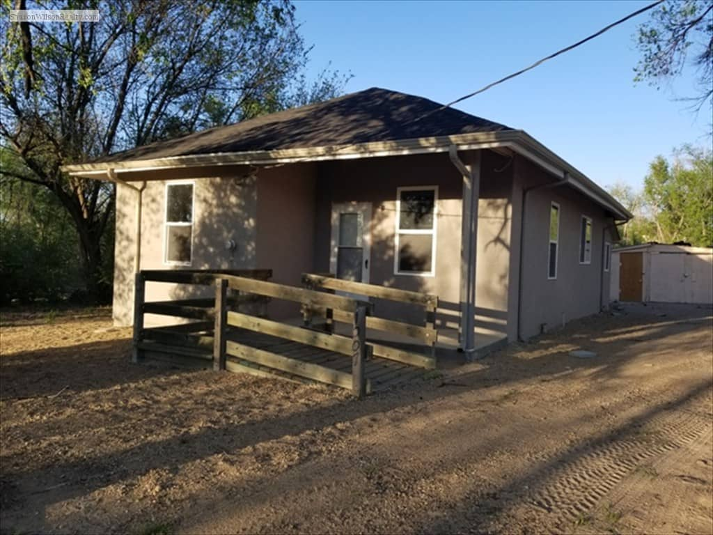 Price Reduced on this REMODELED Home on a 1 Acre Lot in Lamar!