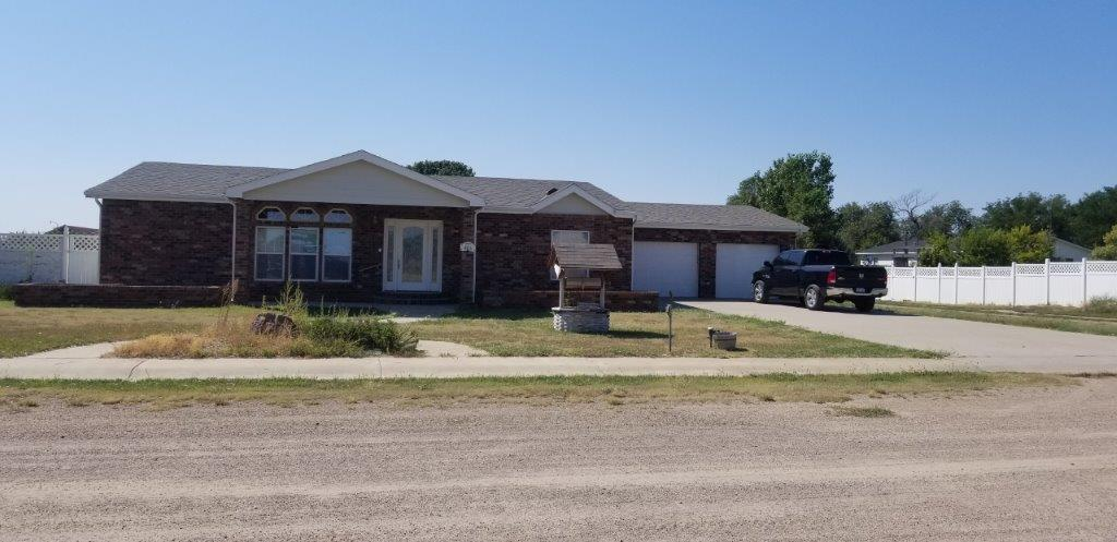 Spacious New Listing In Wiley