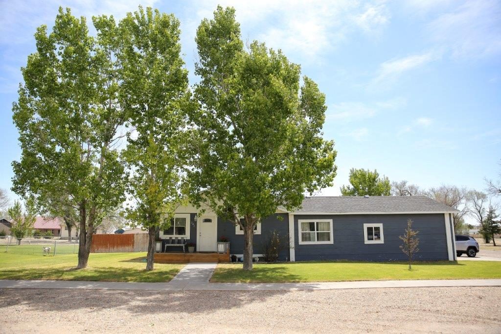 New Listing in Wiley! Beautiful Farm House!