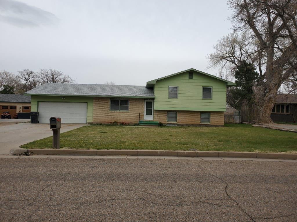 Move-In Ready Home in Willow Valley!
