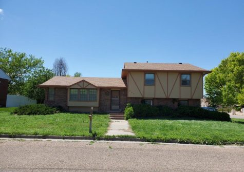 New Listing in Willow Valley!!!